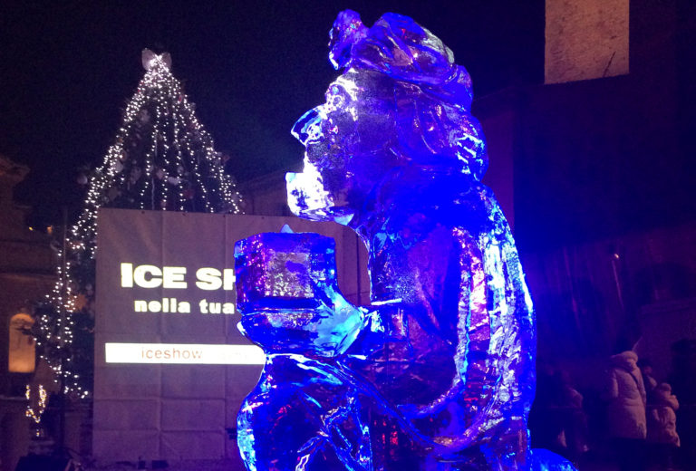 Ice sculpted king
