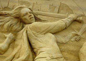 Lady viking fighting