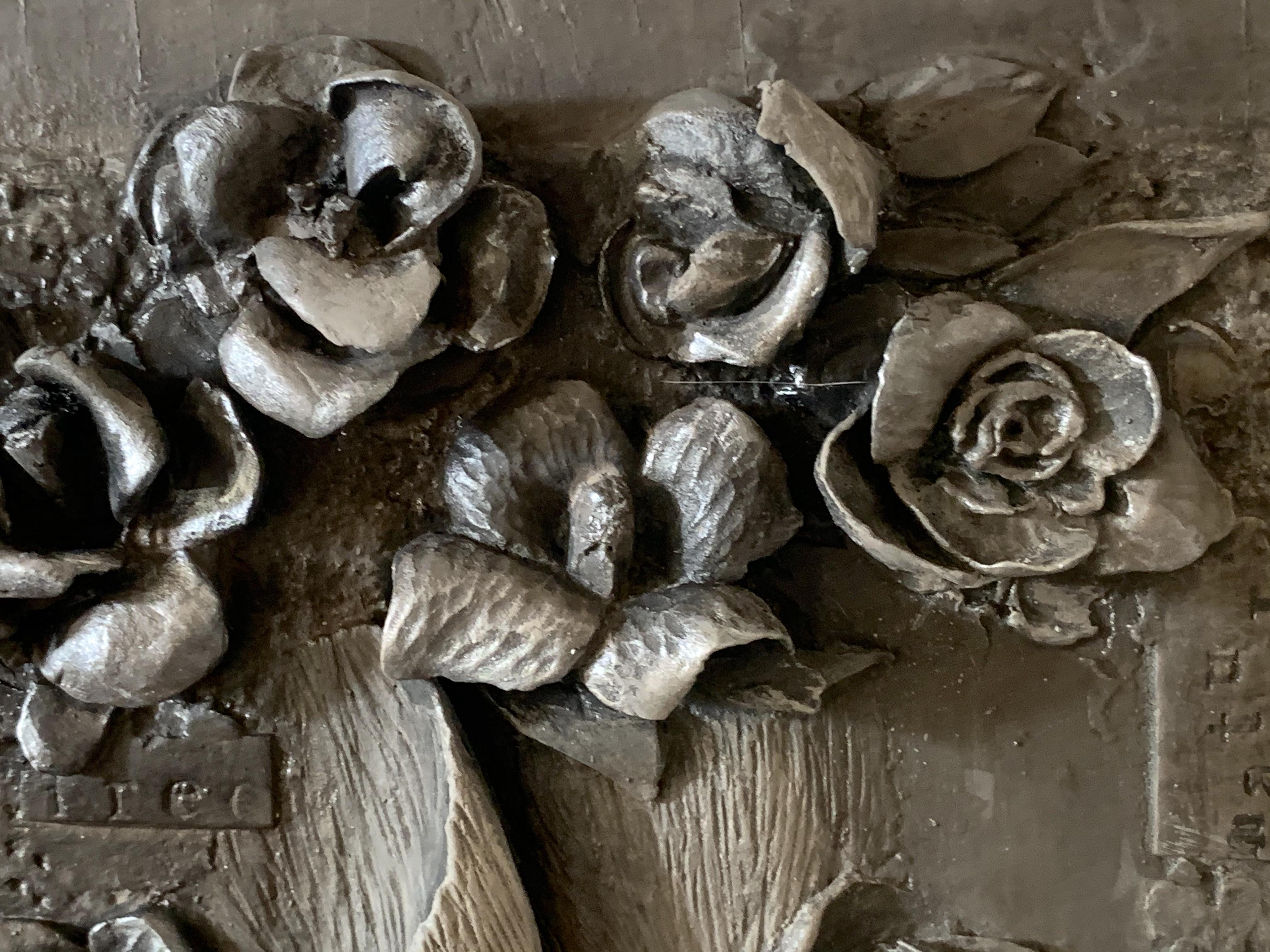 Paster noir relief hare Michela Ciappinih