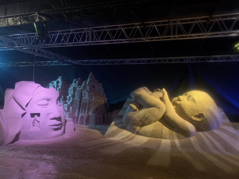 Open view on sand nativity 2020